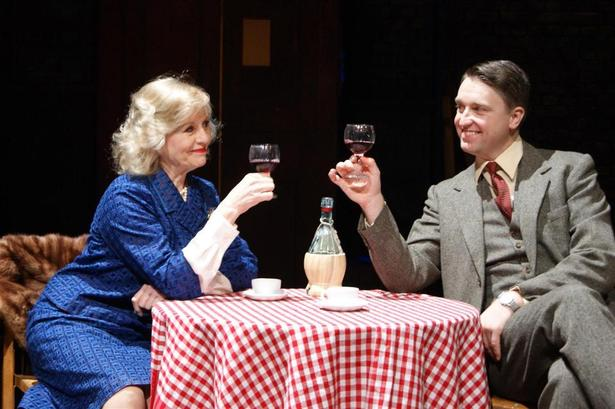 "(c) Oxford Playhouse - Daniel Casey et Liza Goddard dans ""Star Quality"""