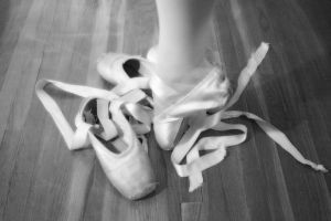 Baroque dance course for trained dancers with Irène Ginger from Compagnie L'Eventail.