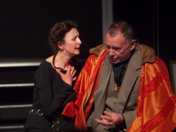 Guy Didier et Muriel Arnould dans Cosroès, 2012 (c) Le Studiolo