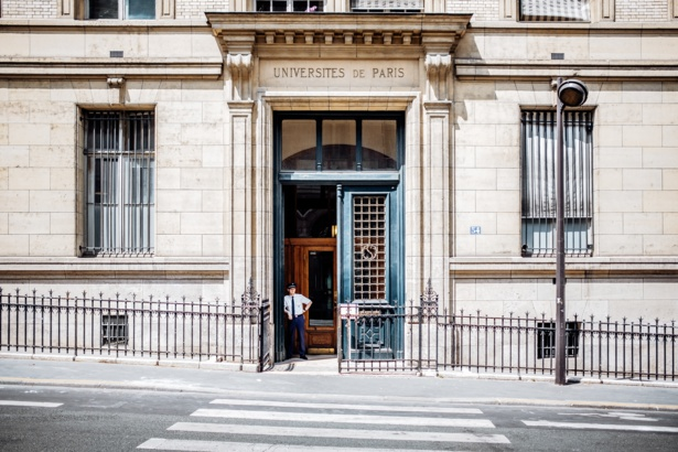 Smells Like Separatism Spirit. The French Academic World in the Eyes of an Intruder